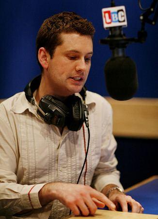 Martin Popplewell Martin Popplewell Broadcaster and Journalist