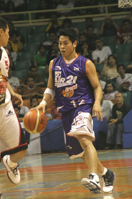 Marvin Cruz Air 21 Express vs Barangay Ginebra Nov 16 2007 Flickr