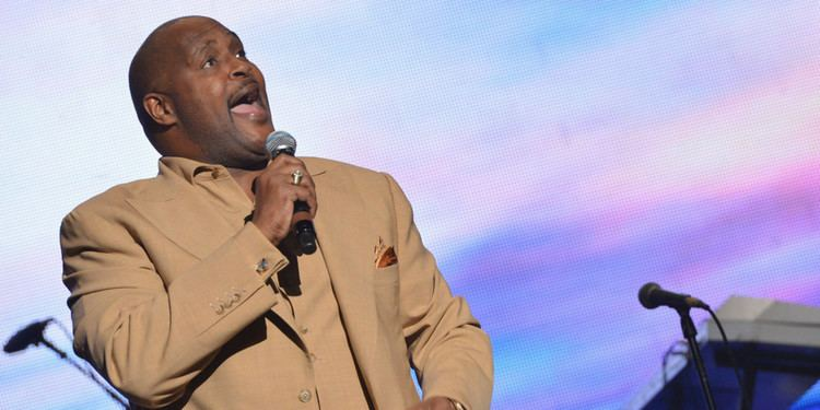 Marvin Winans Pastor Marvin Winans Wont Bless Child Born Out Of Wedlock At Church
