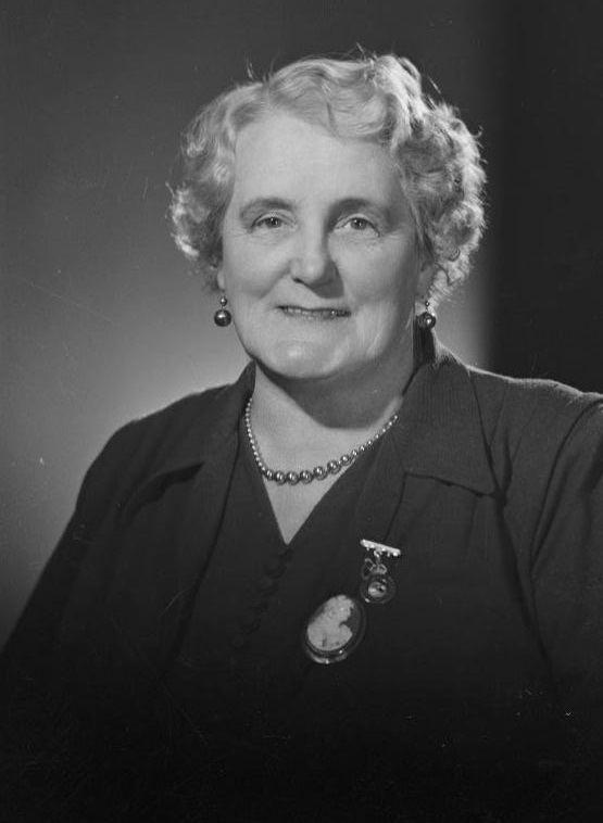 Mary Dreaver httpsuploadwikimediaorgwikipediacommons77