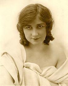 Mary Fuller httpsuploadwikimediaorgwikipediacommonsthu