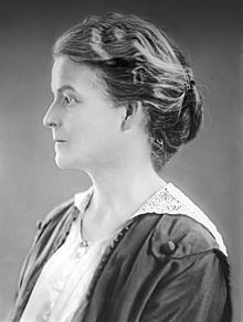 Mary Margaret O'Reilly httpsuploadwikimediaorgwikipediacommonsthu