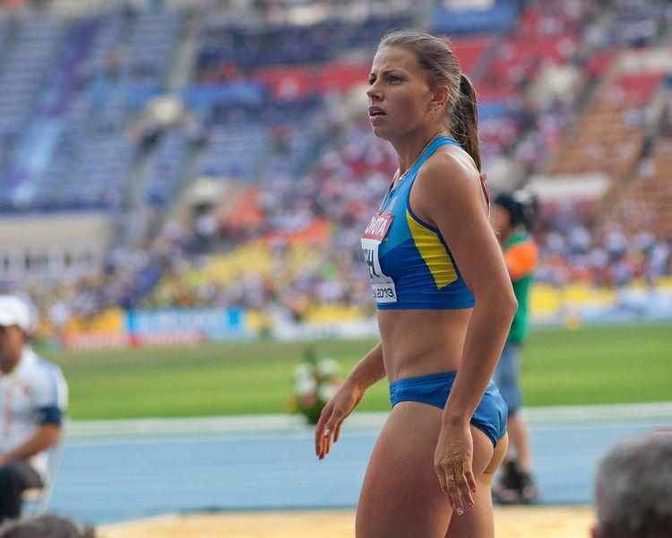 Maryna Bekh FileMaryna Bekh 2013 World Championships in Athletics 06jpg