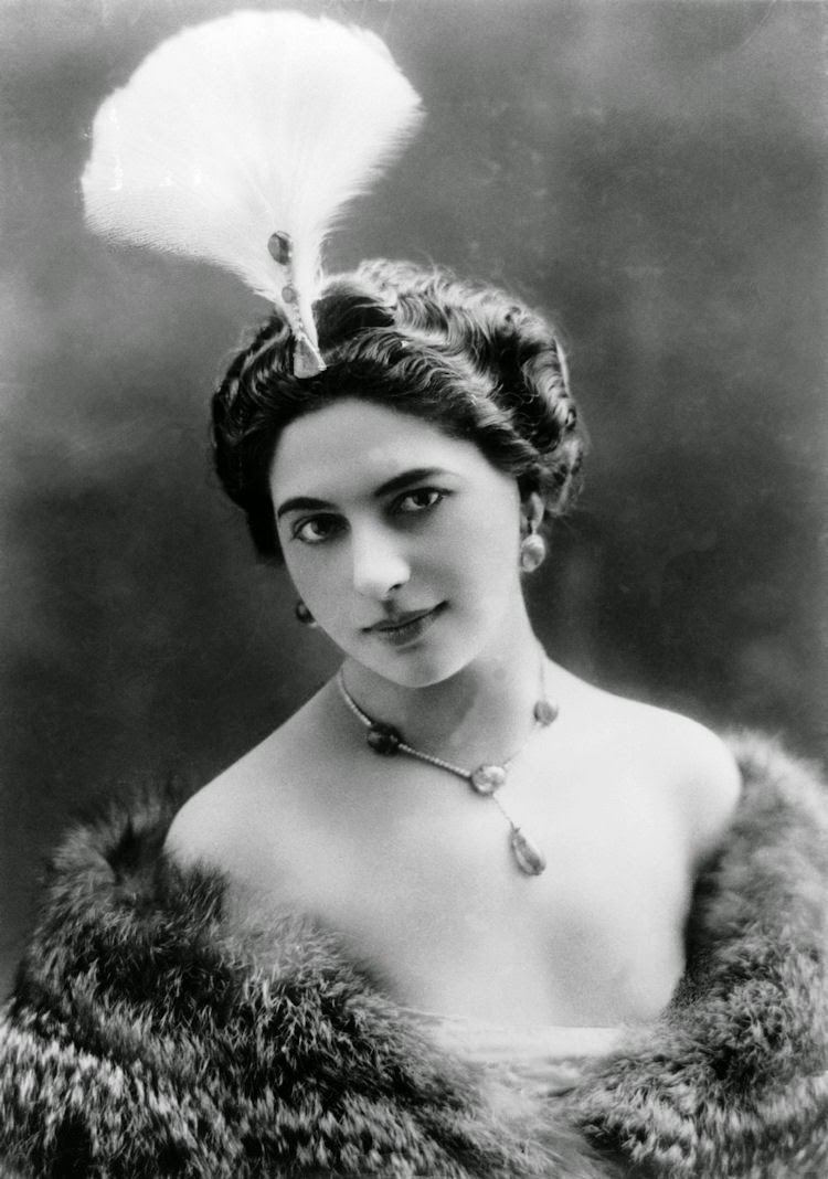 Mata Hari Gods and Foolish Grandeur Mata Hari lady of fashion