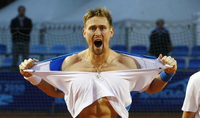 Mateusz Kowalczyk Mateusz Kowalczyk to ja pierwszy rozdarem koszulk Tenis