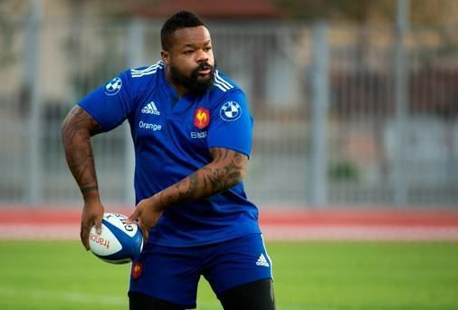 Mathieu Bastareaud Mathieu Bastareaud 39out to get39 Jonathan Sexton in crunch