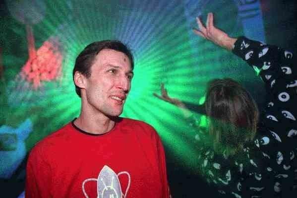 Mats Hinze Hela historien om skandalklubben Docklands Festen skulle aldrig ta