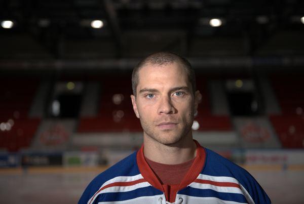 Matt Bradley Matt Bradley TUTO Hockeyn riveihin TUTO Hockey