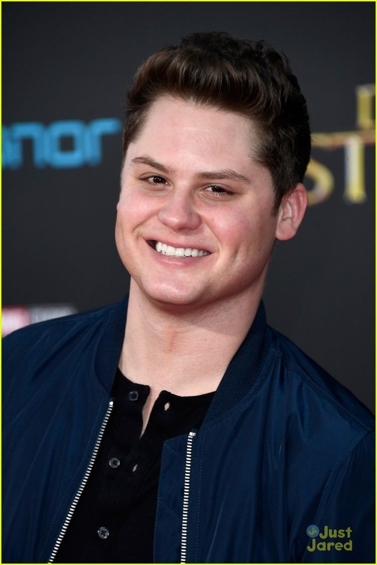 Matt Shively Real ONeals Actor Matt Shively Was Sarah Hylands Roommate