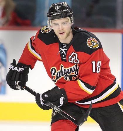 Matt Stajan Flames teammates helping support Matt Stajan and wife