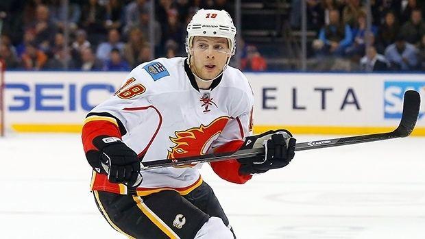 Matt Stajan Matt Stajan signs 4year extension with Flames NHL on