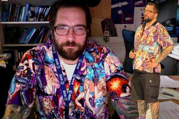 Matt Taylor (scientist) Tattooed Rosetta mission scientist breaks down as he