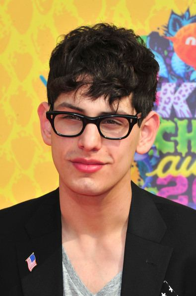 Matthew Bennett Matt Bennett Photos Nickelodeon39s 27th Annual Kids