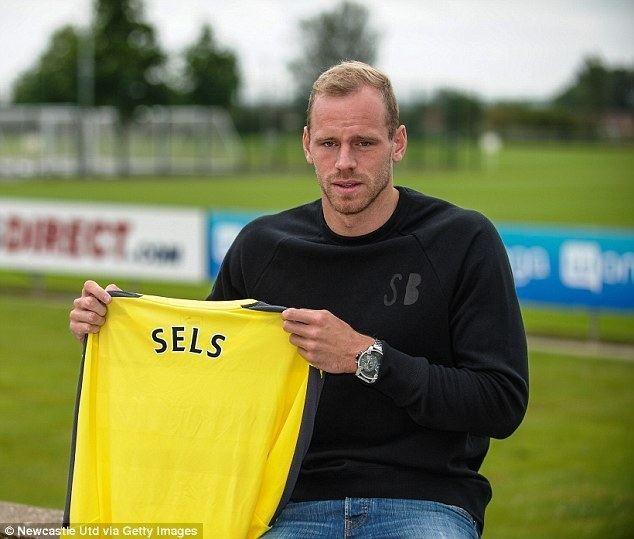 Matz Sels Newcastle confirm 45m signing of Matz Sels to give Rafa Benitez
