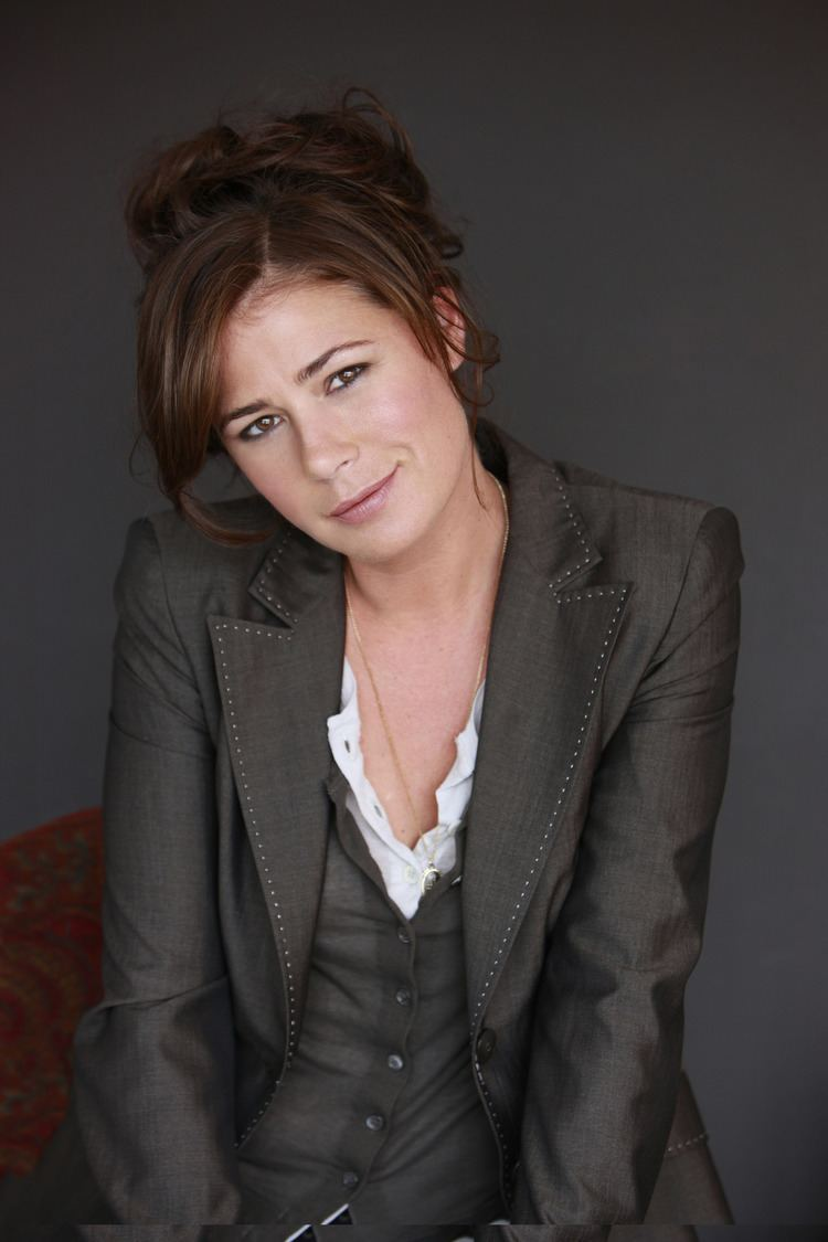 Maura Tierney Maura Tierney Makes 39Lucky Guy39 Broadway Debut With Tom