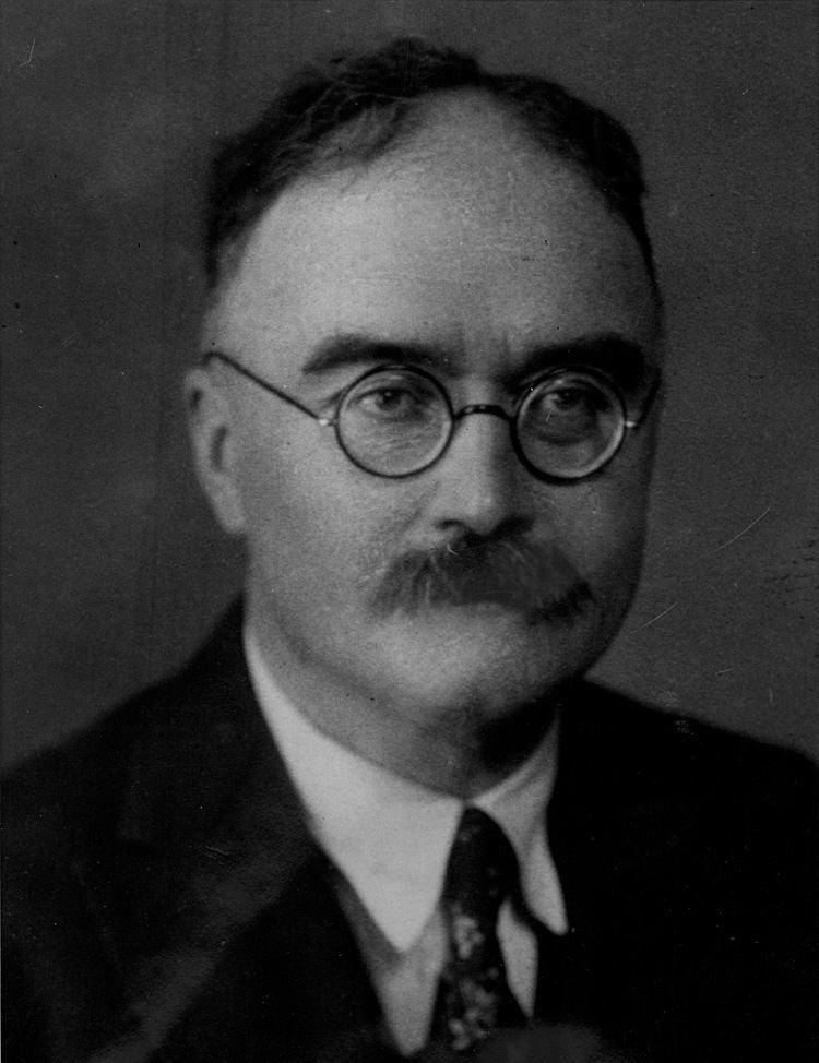 Maurice Halbwachs httpsuploadwikimediaorgwikipediacommons44