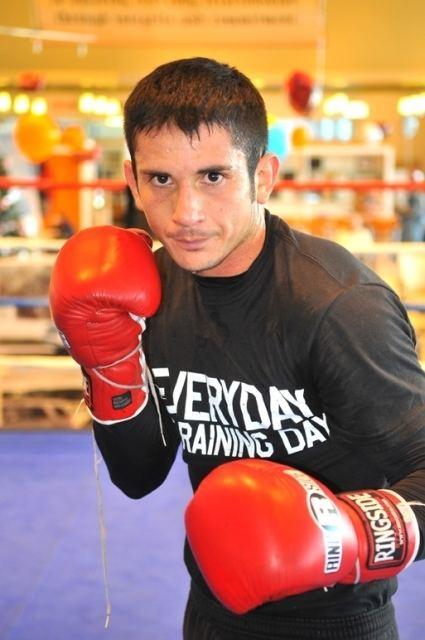mauricio herrera boxer - 425×640