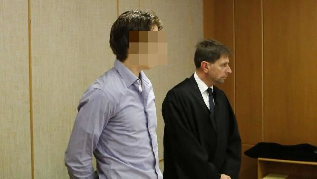 Maximilian Abel Maximilian Abel wieder wegen Betrugs vor Gericht