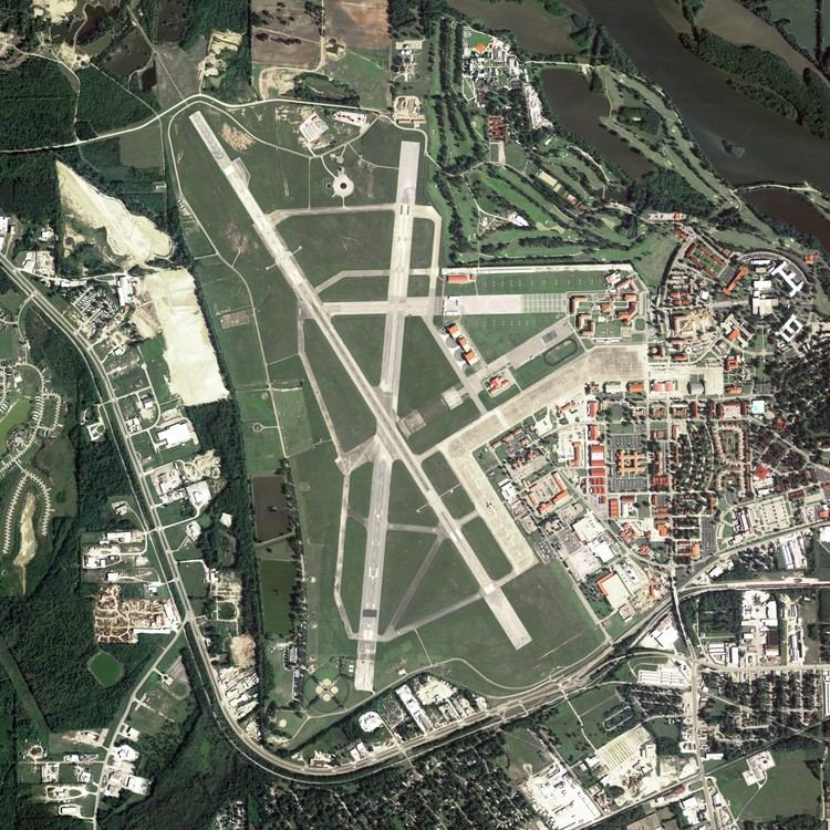 Maxwell Air Force Base FileMaxwell Air Force Basejpg Wikimedia Commons