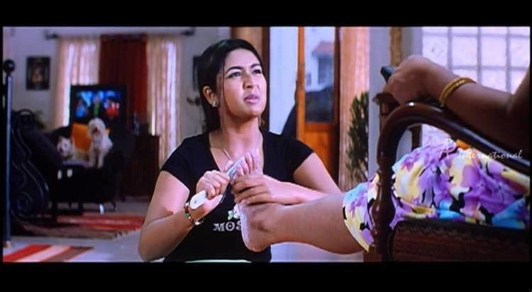 Maya Kannadi movie scenes Mayakannadi Tamil Movie Scenes Clips Comedy Songs Navya Nair requests her customer