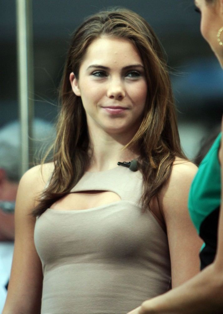 McKayla Maroney Got a picture with Mckayla Maroney at the Dodger game pics