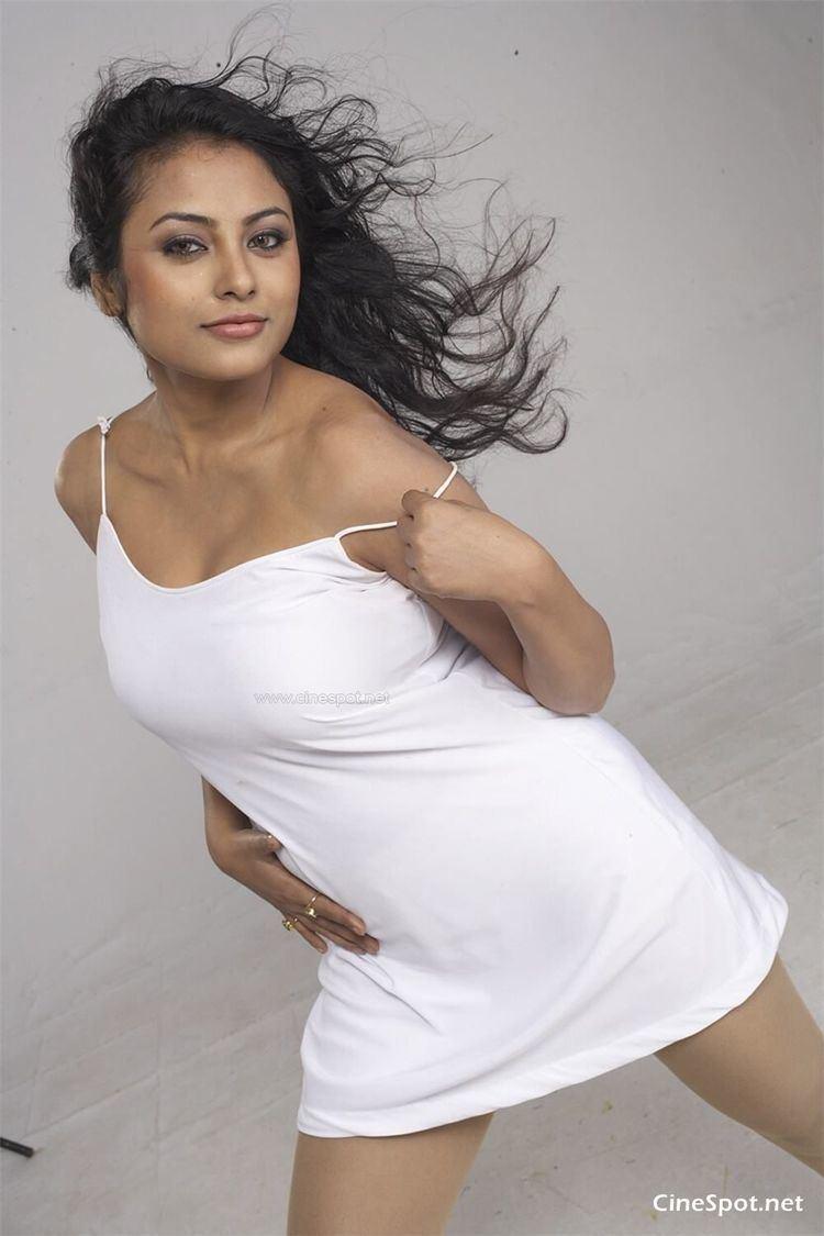 Meenakshi (actress) meenakshiSouthactressphotos10jpg