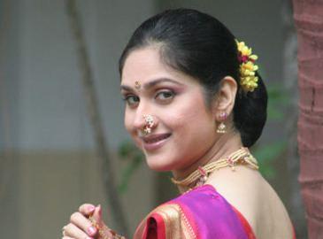 Meenakshi Seshadri Meenakshi Seshadri will be back this Diwali