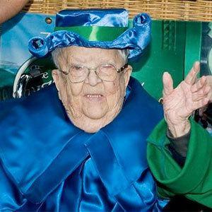 Meinhardt Raabe Wizard of Oz39 Munchkin Meinhardt Raabe Dies at 94