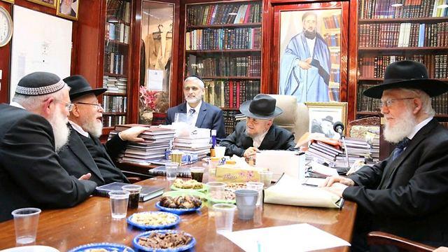 Meir Mazuz Ynetnews News Eli Yishais spiritual leader explains why the