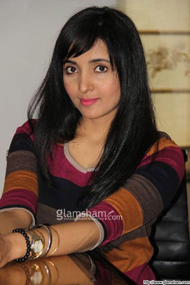 Menaka Lalwani Menaka Lalwani at MISS LOVELY movie promotion photo 7