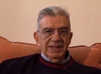 Menis Koumandareas Enigma morii scriitorului grec Menis Koumandareas