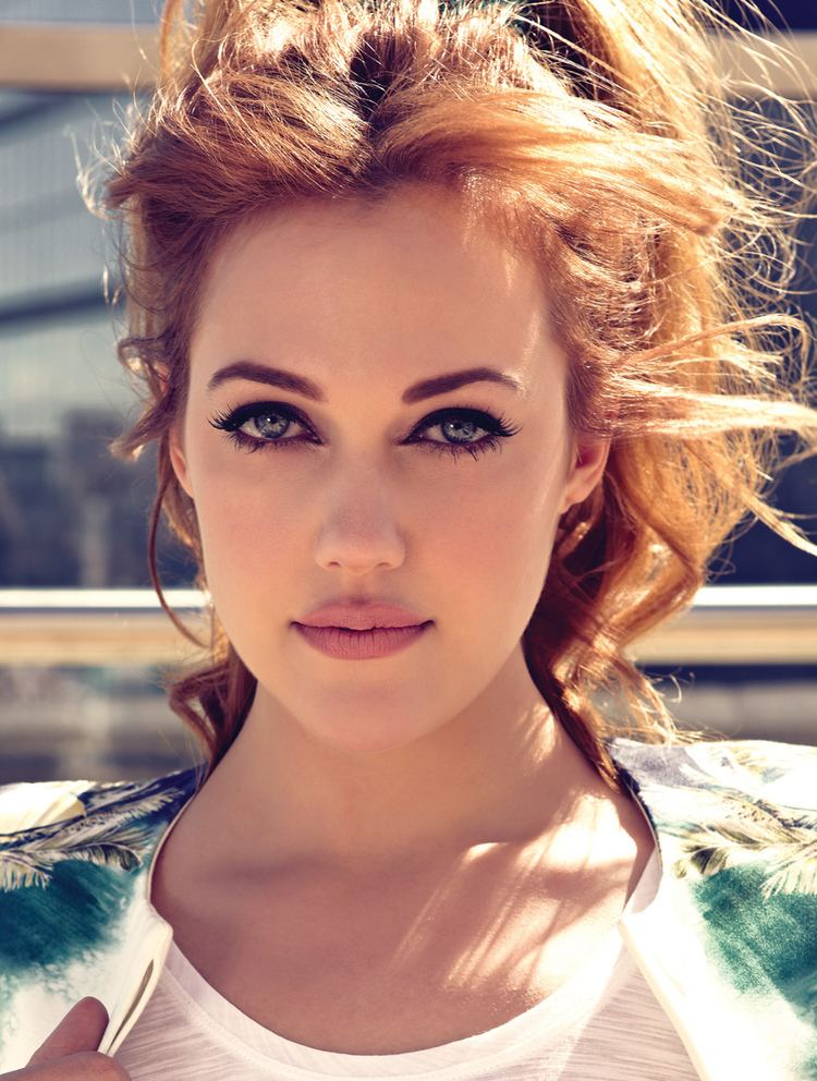Meryem Uzerli Download Free Meryem Uzerli face beauty HD Wallpapers