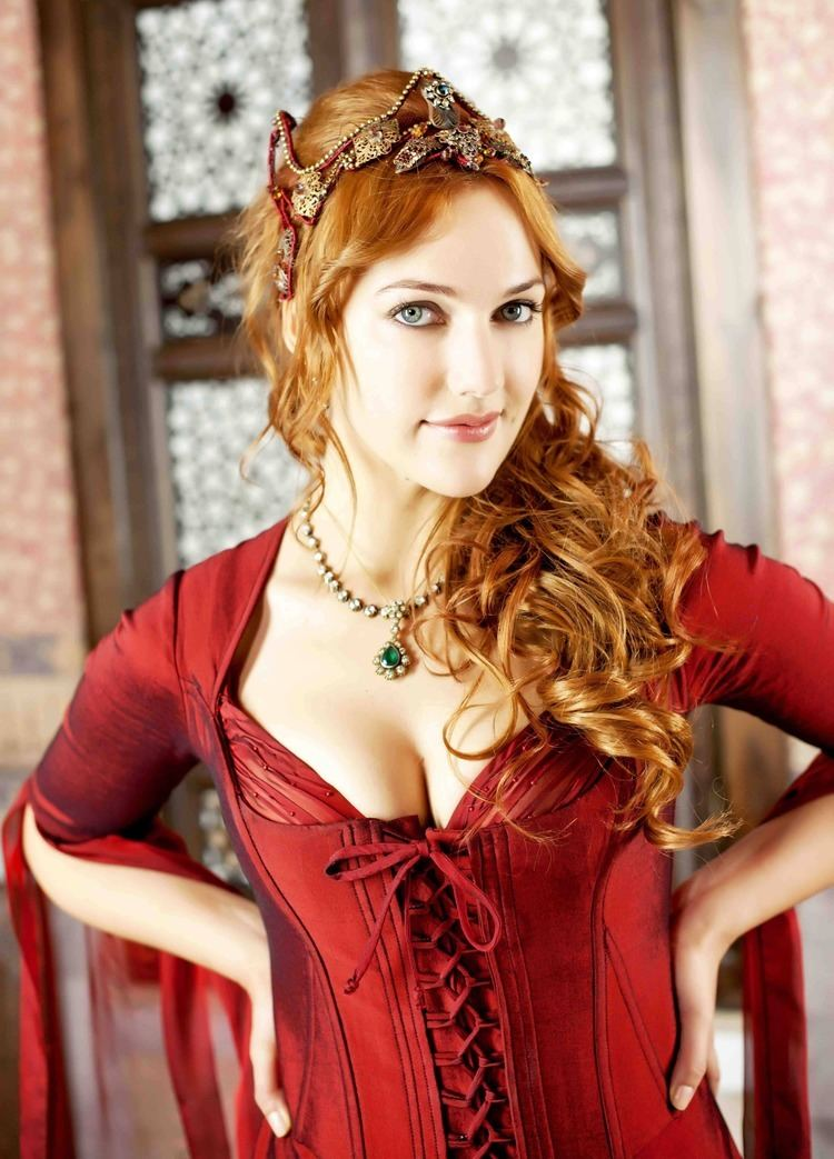 Meryem Uzerli Meryem Uzerli photo gallery 82 high quality pics of