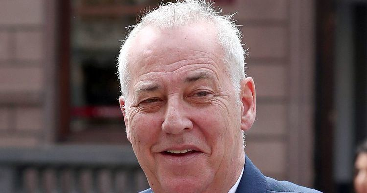 Michael Barrymore Investigation into the death in Michael Barrymores pool could be