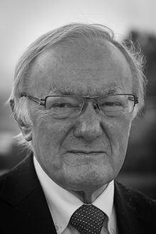 Michael Batty httpsuploadwikimediaorgwikipediacommonsthu