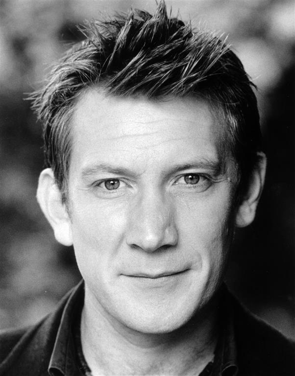 Michael Begley (actor) ukmatildathemusicalcomcontentuploads201509B