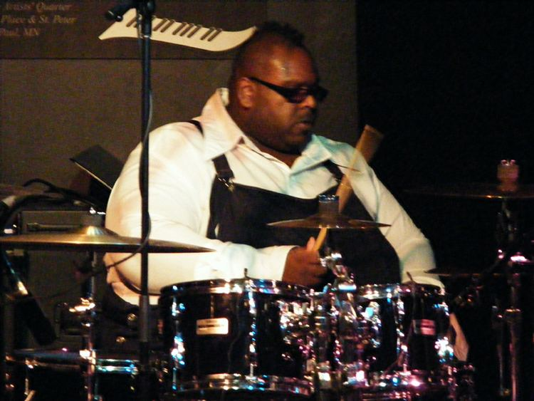 Michael Bland Jef Lee Johnson Michael Bland Yohannes Trio at Artists