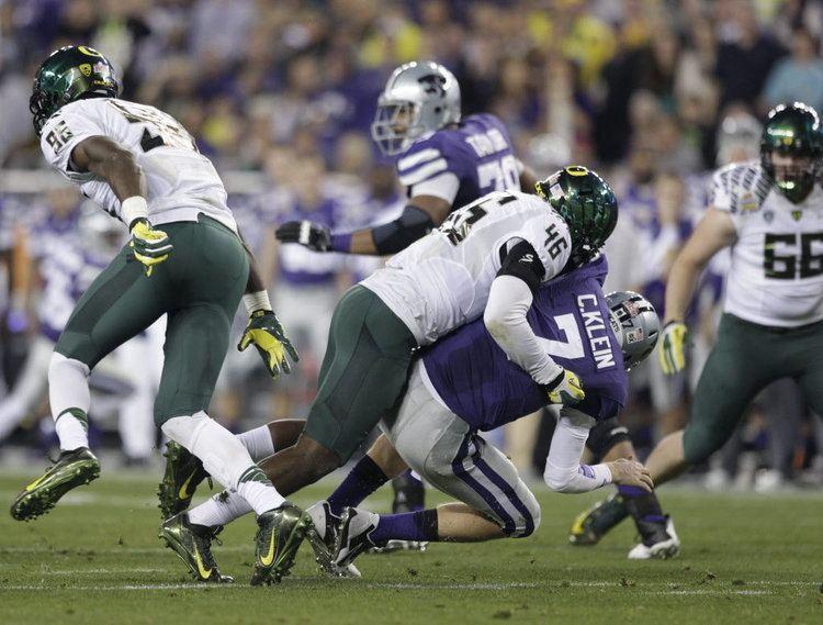 Michael Clay Overlooked Oregon Ducks linebacker Michael Clay bulks up