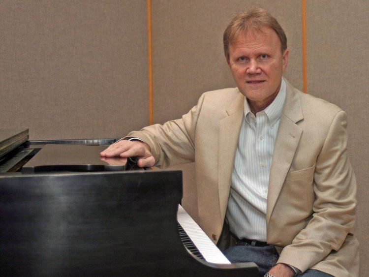 Michael Dulin Pianist Michael Dulin39s soothing sound of fame