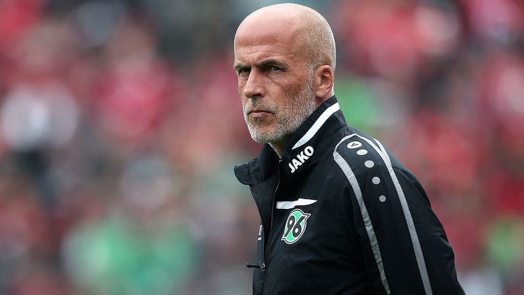 Michael Frontzeck Hannover coach Michael Frontzeck to remain another 2 years