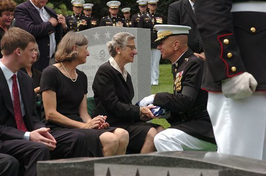 Michael Hagee 26th Commandant laid to rest a hero gt Headquarters Marine
