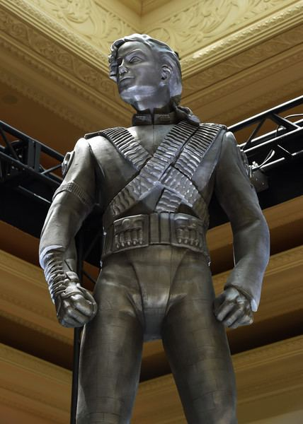 Michael Jackson HIStory statue Michael Jackson39s HIStory Statue Unveiled at Mandalay Bay Pictures