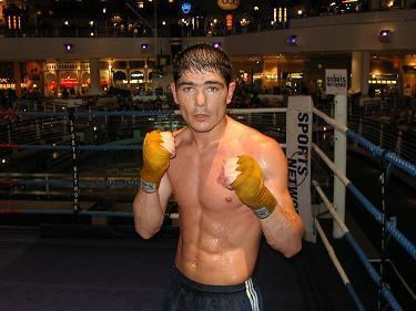 Michael Jennings (boxer) 160208 Quintana to face Michael Jennings