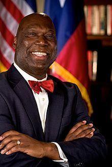 Michael L. Williams httpsuploadwikimediaorgwikipediacommonsthu
