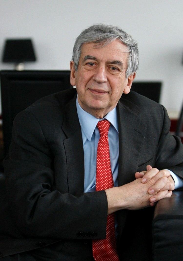 Michael Naumann Mediator Naumann vermittelt im SuhrkampKonflikt