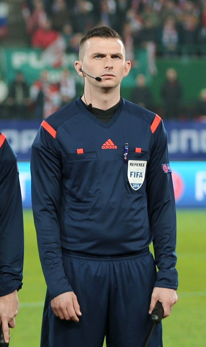 Michael Oliver (footballer, born 1957) Michael Oliver referee Wikipedia