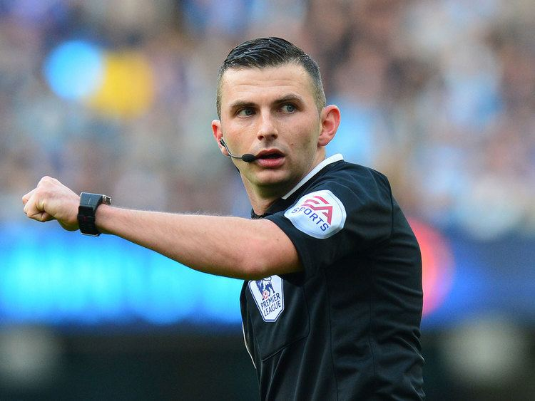 Michael Oliver (referee) Michael Oliver reported to have given girlfriend Lucy May