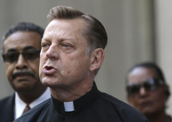 Michael Pfleger The End of Father Pfleger RealClearReligion