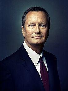 Michael R. Burns httpsuploadwikimediaorgwikipediacommonsthu
