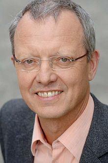 Michael Schratz httpsuploadwikimediaorgwikipediacommonsthu